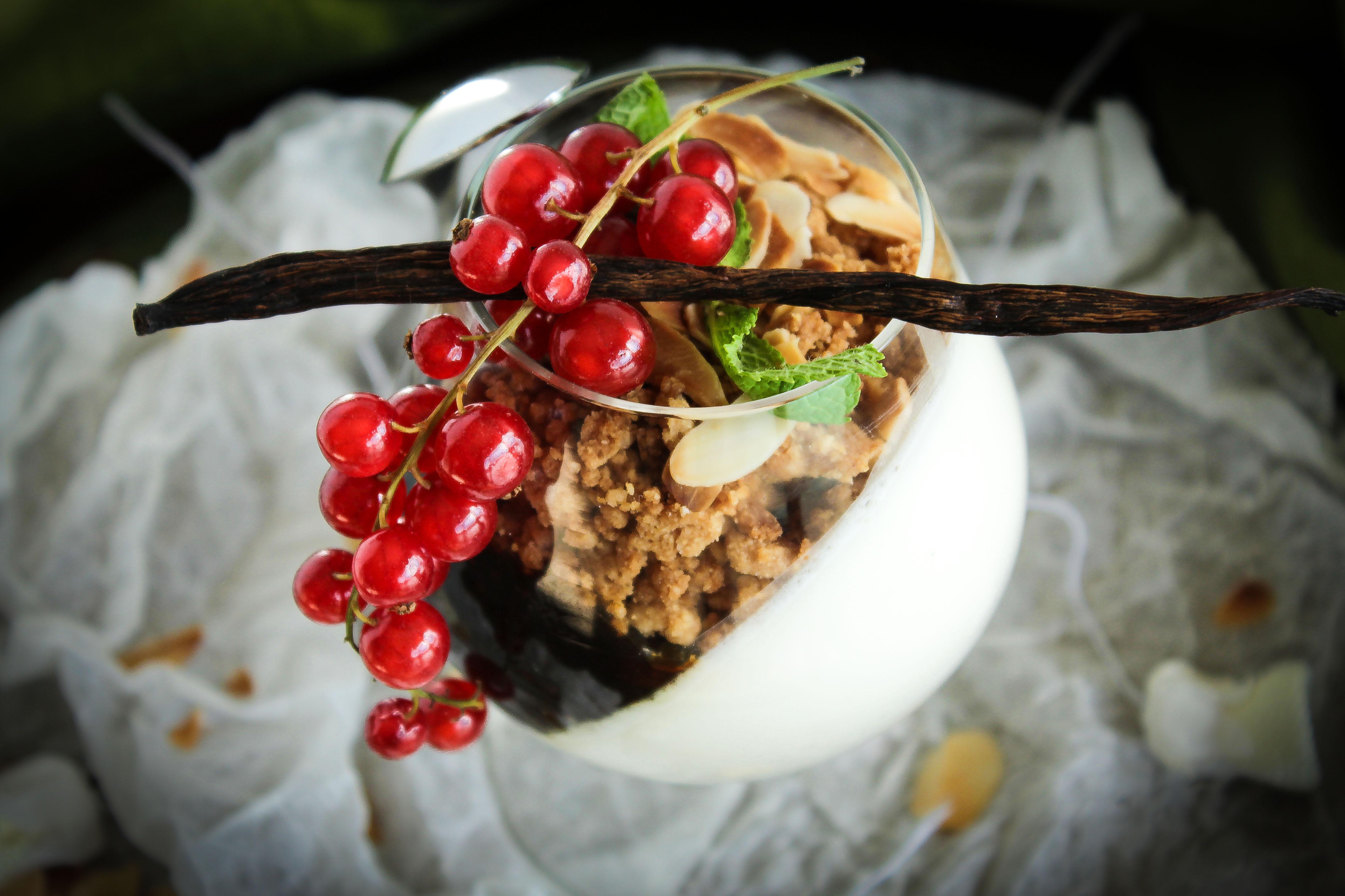 chantilly con fichi caramellati e streusel alla cannella
