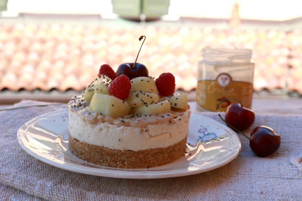 Cheesecake pesche e pinoli