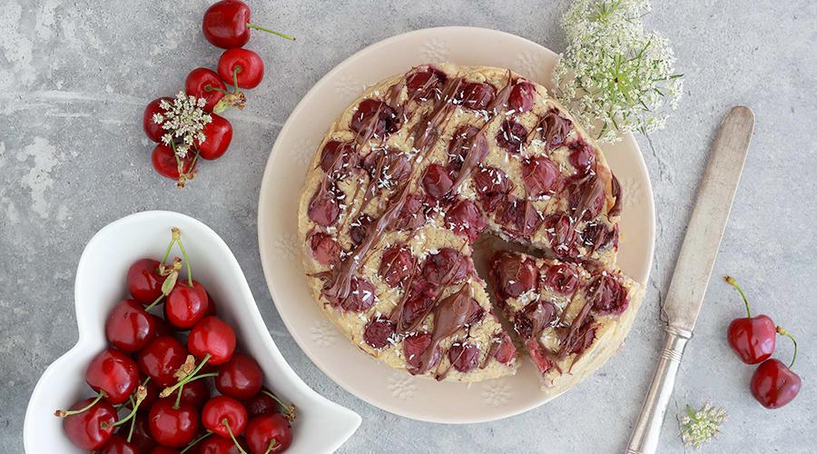 torta ciliegie vegan con cremadelizia nocciola